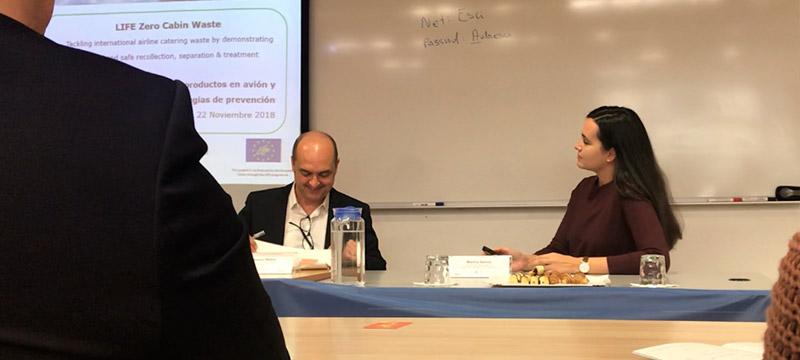PROYECTO LZCW. Joaquín Mateo y Marina García -Estudio del consumo de productos en avión y estrategias de prevención-.